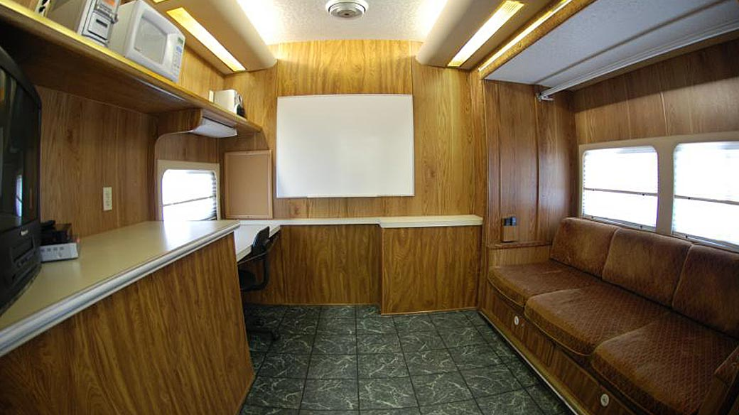 Production Trailer 40ft Pull with Crew Toilets & Curbside Slide-Outs [PT]